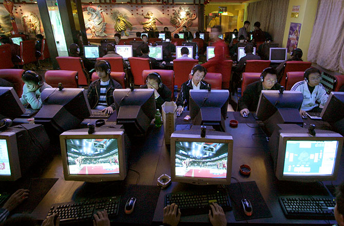 10-signs-you-live-in-a-police-state-chinese-internet